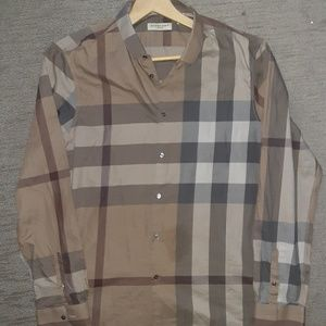 Flawless BURBERRY exploded check button up